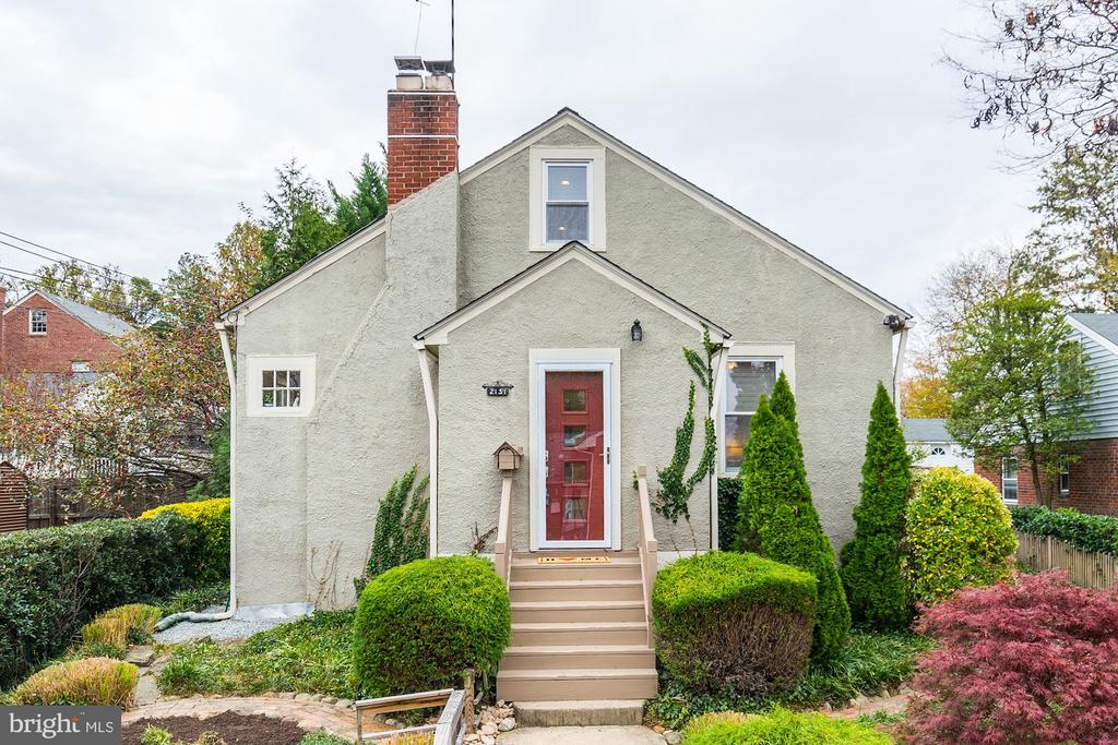 Great Location and Curb Appeal! - 2131 N NOTTINGHAM ST, ARLINGTON