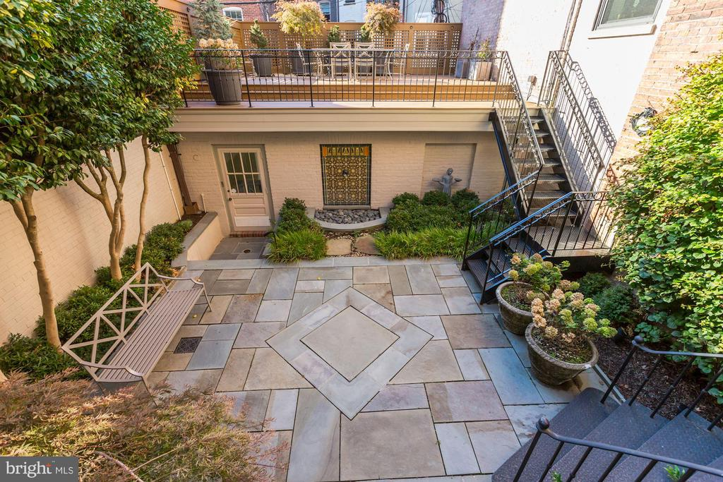 Flagstone Terrace with Extensive Landscaping - 2130 BANCROFT PL NW, WASHINGTON