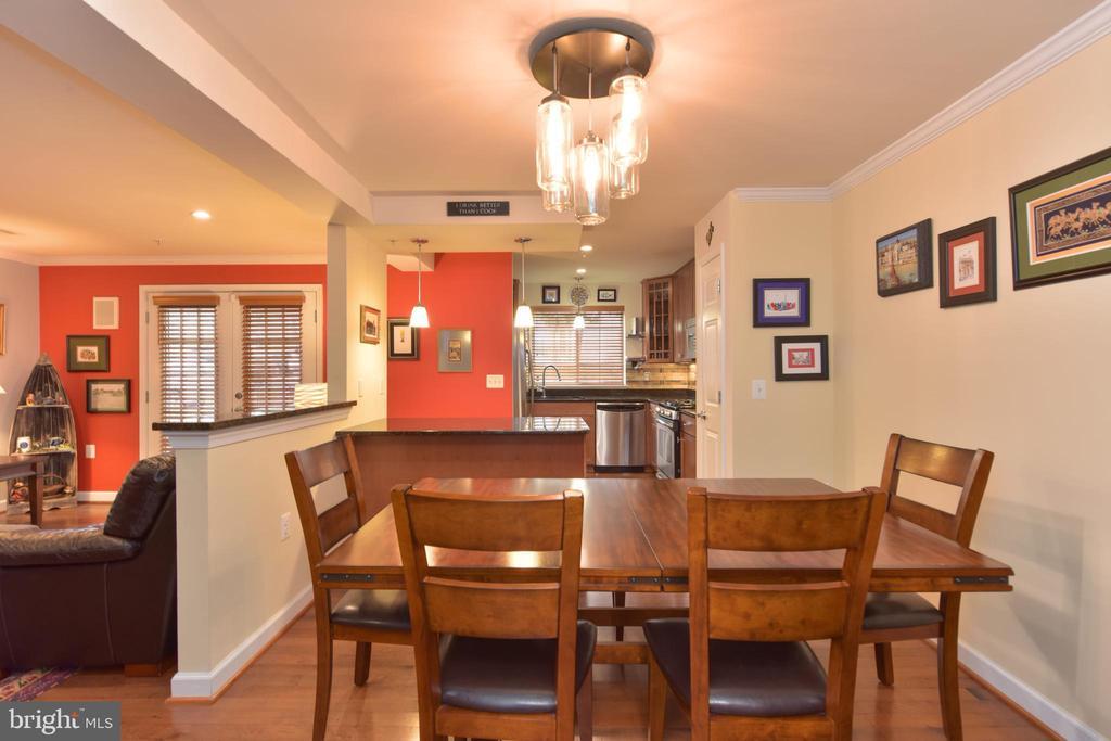 Open Floor Plan - 4165 S FOUR MILE RUN DR #204, ARLINGTON