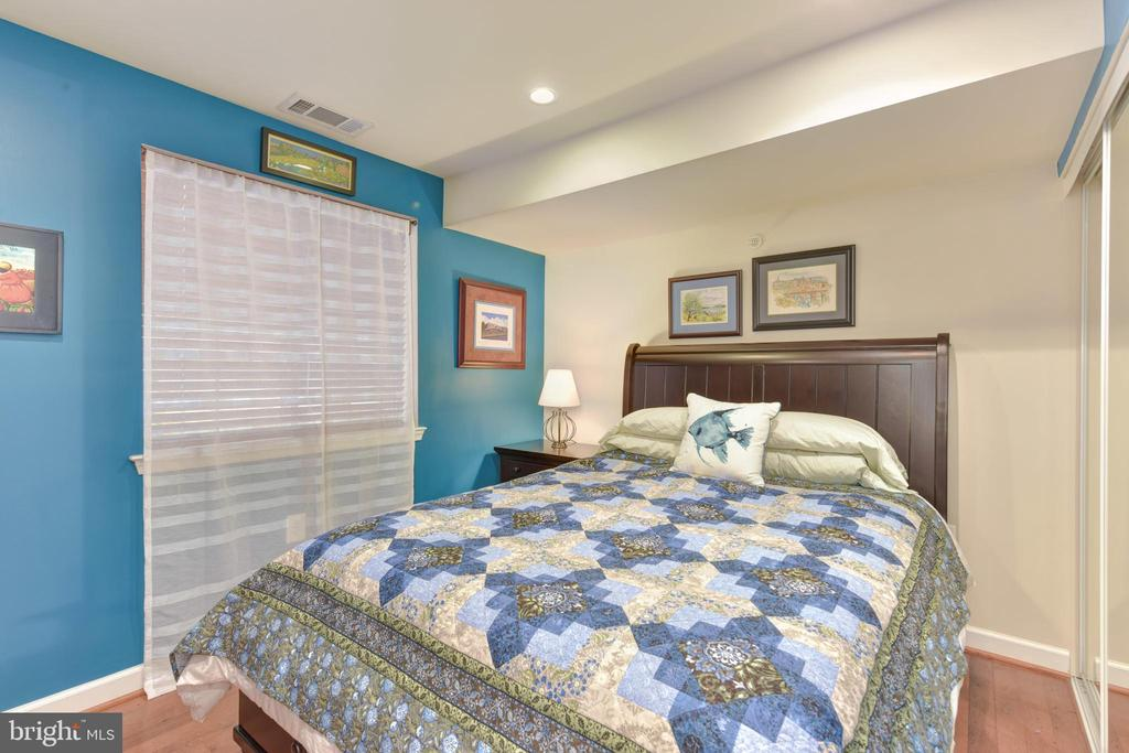 Bedroom Two with large window. - 4165 S FOUR MILE RUN DR #204, ARLINGTON