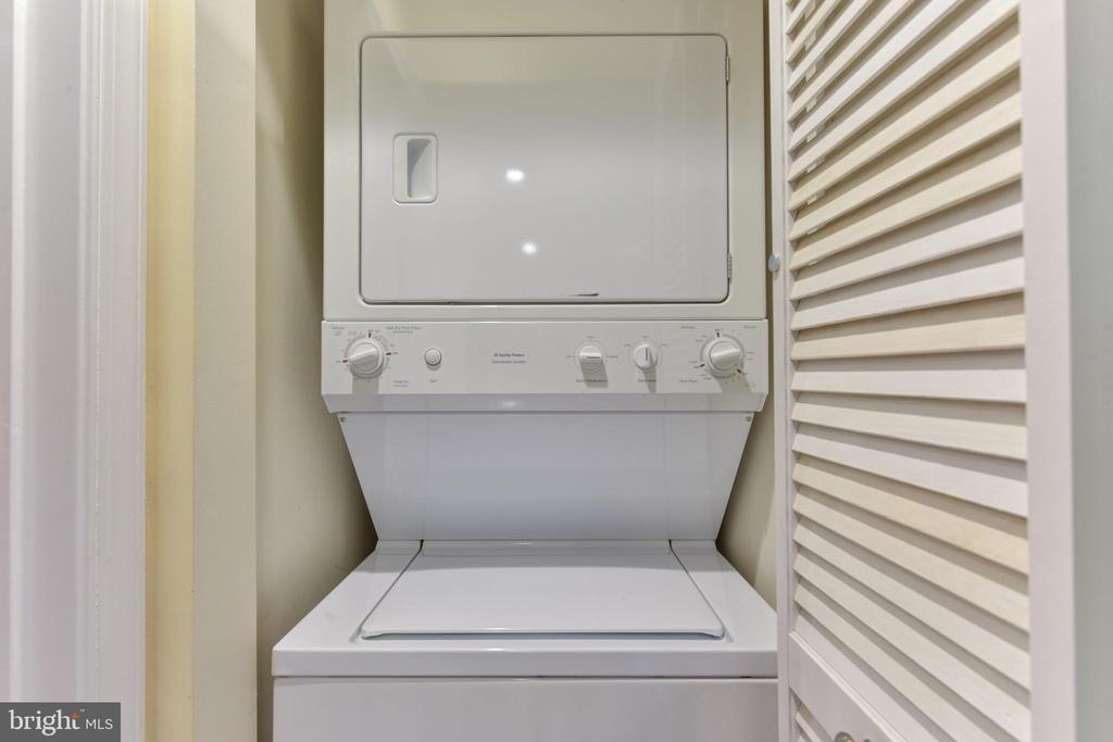 Laundry in unit. - 4165 S FOUR MILE RUN DR #204, ARLINGTON