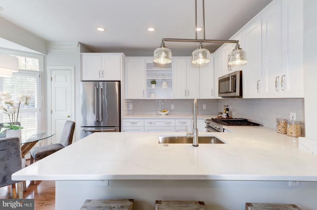 Renovated Kitchen - 1733 22ND CT N, ARLINGTON