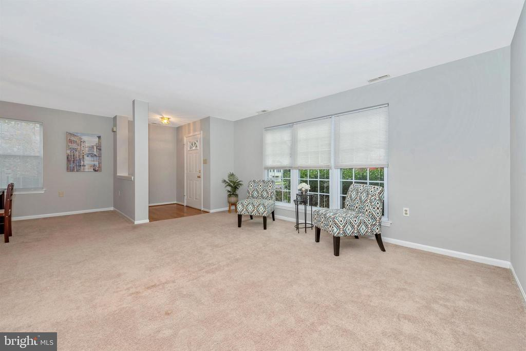 Living Room - 2631 N EVERLY DR #412, FREDERICK