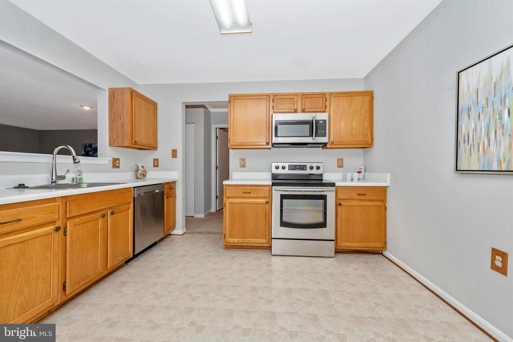 Kitchen - 2631 N EVERLY DR #412, FREDERICK