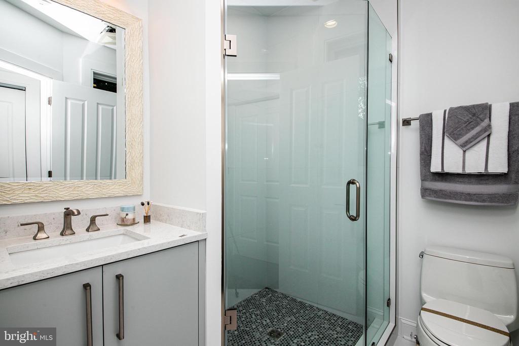 Third Bedroom Bathroom - 4647 38TH PL N, ARLINGTON