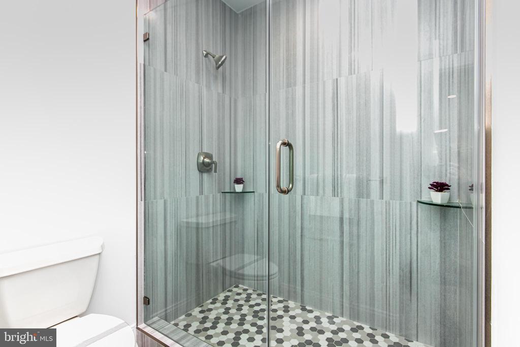 Sixth Bedroom Bathroom - 4647 38TH PL N, ARLINGTON