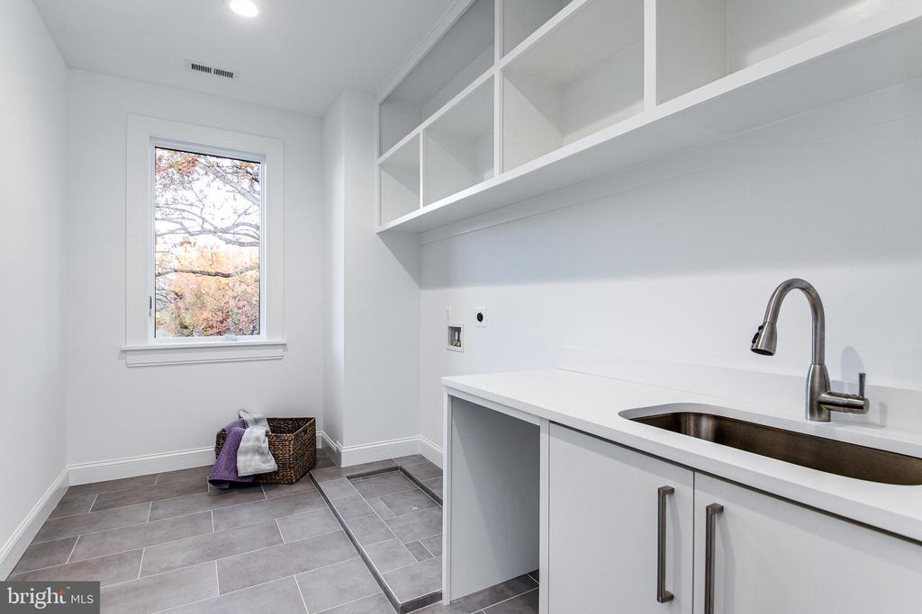 Laundry Room with Direct Access to Master Bedroom - 4647 38TH PL N, ARLINGTON
