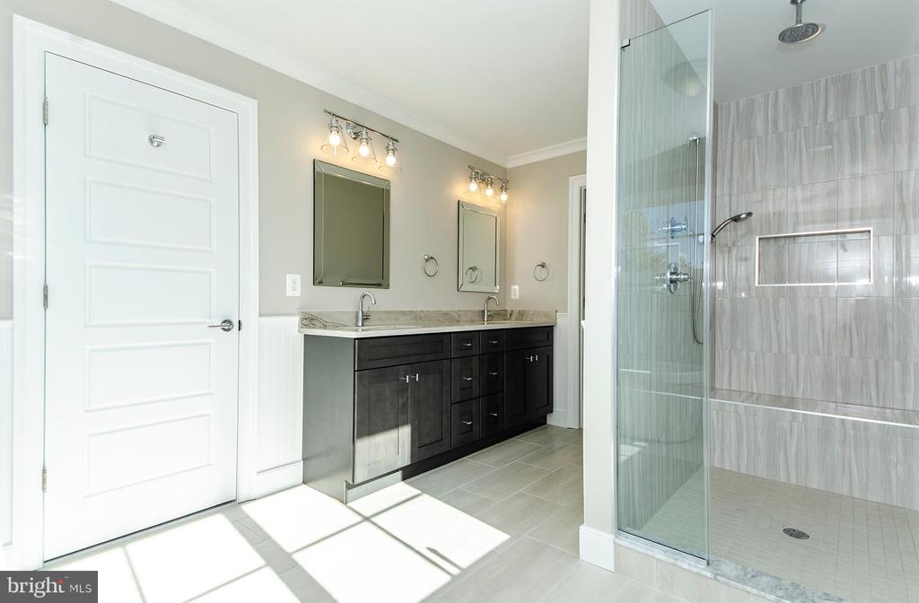 Master Suite Bathroom w/ Separate Shower(model) - 2013 STORM DR, FALLS CHURCH