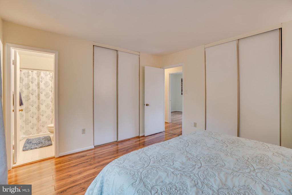 Master Bedroom - His & Her Closets - 11989 POINT LONGSTREET WAY, WOODBRIDGE