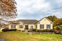 Lovely curb appeal! - 8410 W HILDY CT, SPOTSYLVANIA