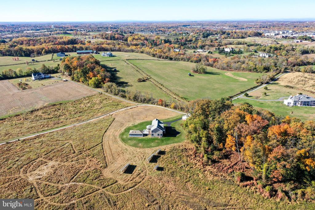 25 acres of privacy - 23107 DAVIS MILL RD, GERMANTOWN