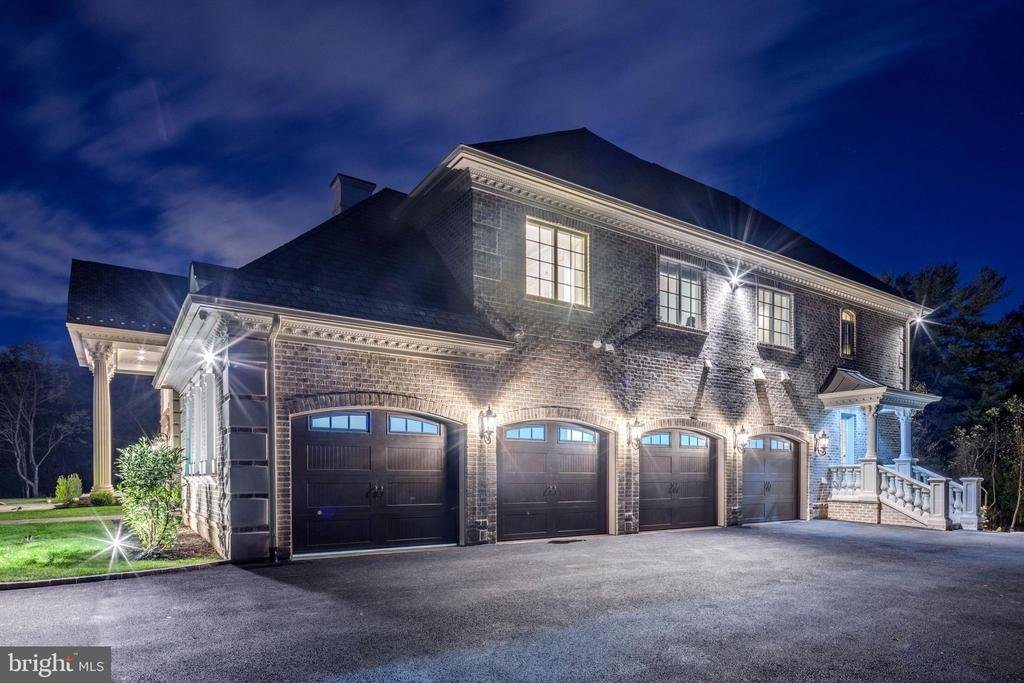Oversized, four-car attached garage. - 11643 BLUE RIDGE LN, GREAT FALLS