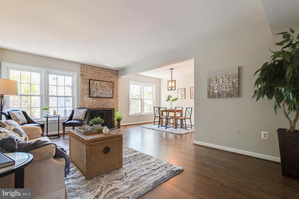 Open concept from living room to dining room - 1009 N TERRILL ST, ALEXANDRIA