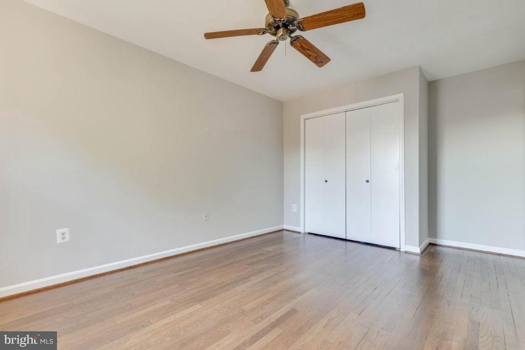 Freshly painted and ready to move in - 1009 N TERRILL ST, ALEXANDRIA