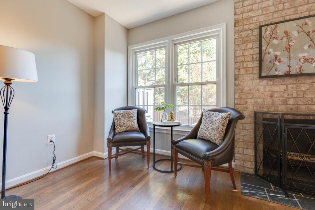 Living room-great areas to relax & enjoy friends - 1009 N TERRILL ST, ALEXANDRIA