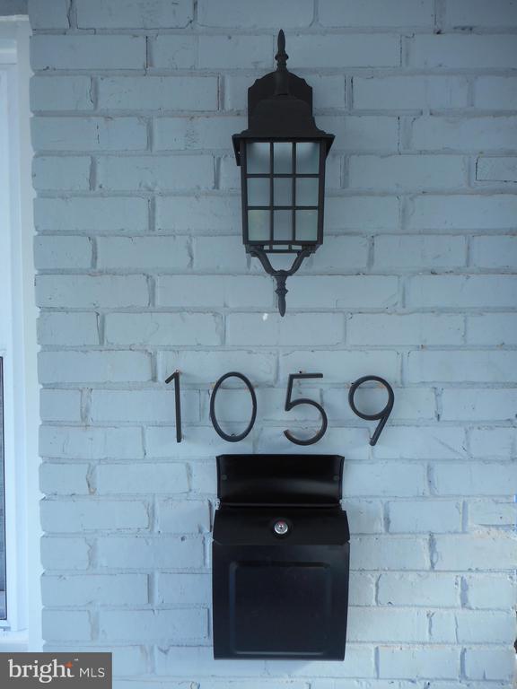 - 1059 48TH ST NE, WASHINGTON