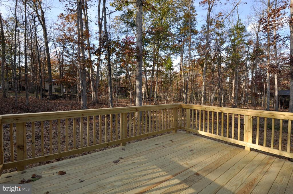 DECK - 1104 LAKEVIEW PKWY, LOCUST GROVE