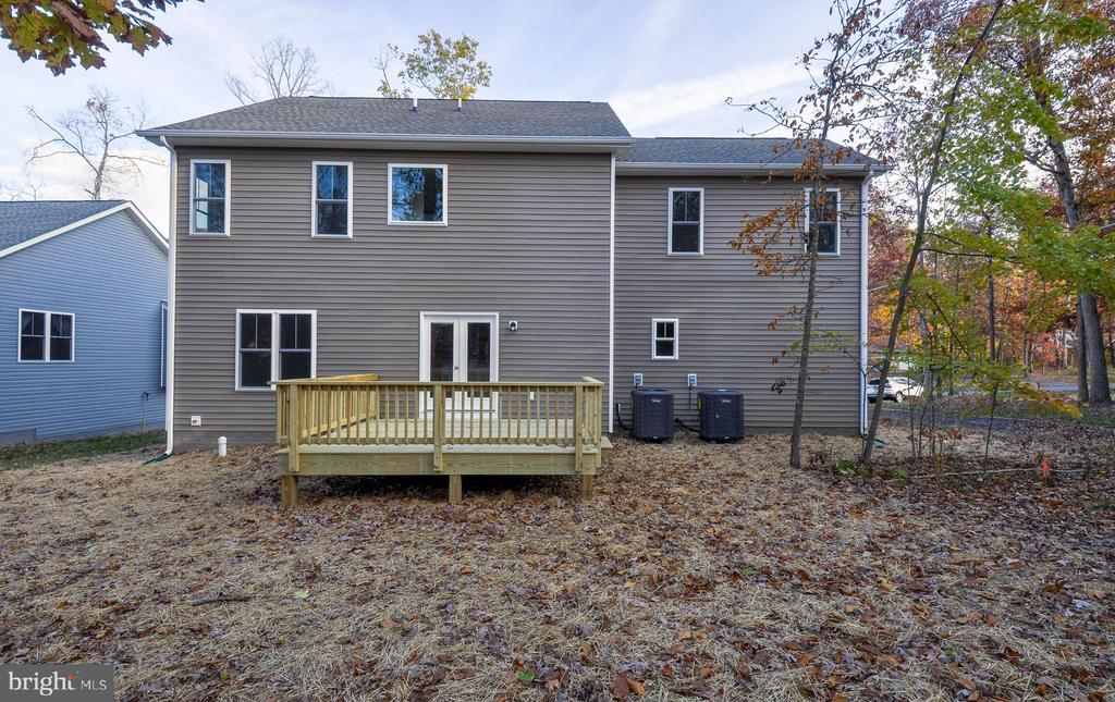 REAR DECK - 1104 LAKEVIEW PKWY, LOCUST GROVE
