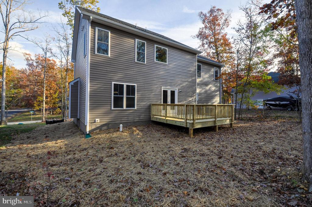 REAR - 1104 LAKEVIEW PKWY, LOCUST GROVE