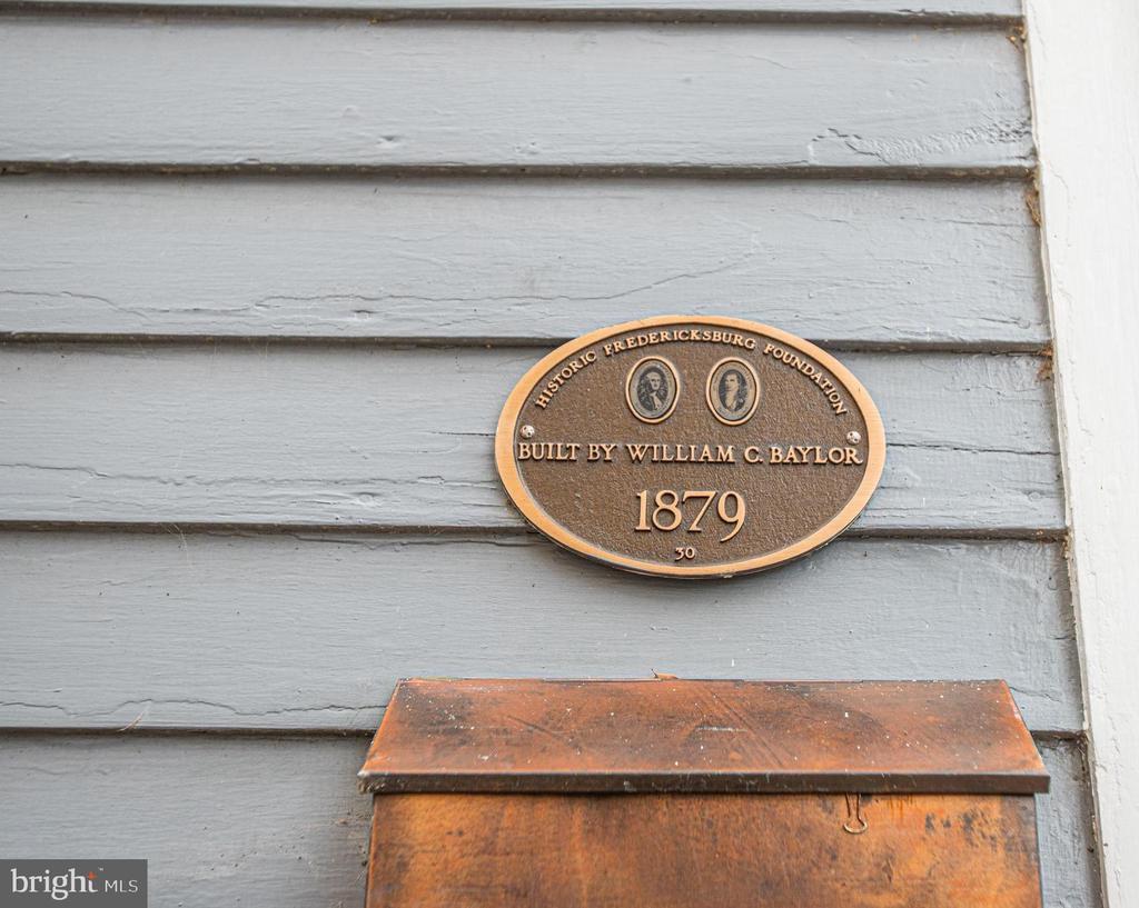 HFFI Historic Marker - 232 PRINCESS ANNE ST, FREDERICKSBURG