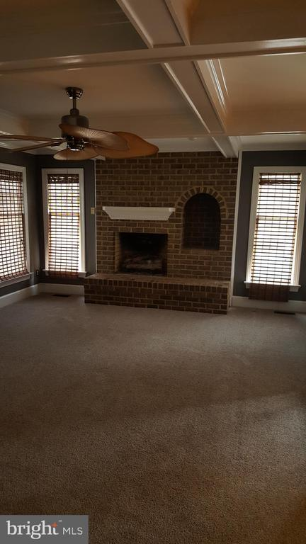 Gas fireplace - 11801 DUCK CIR, SPOTSYLVANIA
