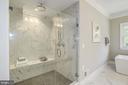 MBR Bath - 4339 26TH ST N, ARLINGTON