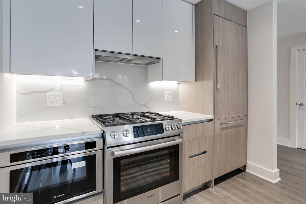 Gourmet kitchen with Italian cabinetry - 1745 N ST NW #410, WASHINGTON