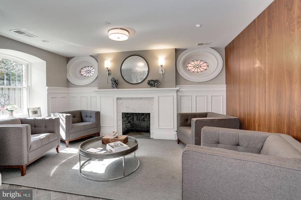 Elegant lobby with front desk - 1745 N ST NW #410, WASHINGTON