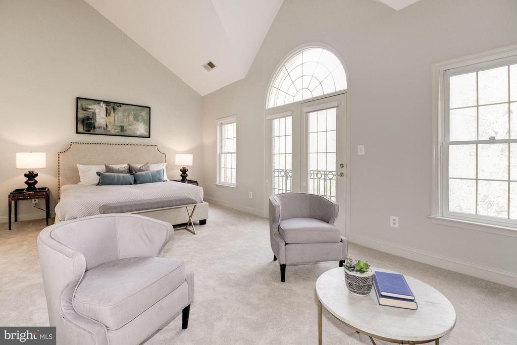 Spacious Master Suite - 1733 22ND CT N, ARLINGTON