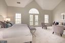 Vaulted Ceilings - 1733 22ND CT N, ARLINGTON