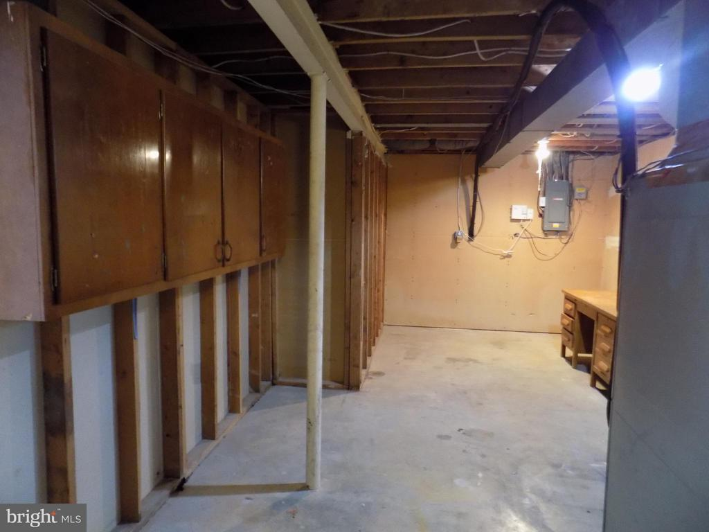 Storage and Laundry - 13005 KERRYDALE RD, WOODBRIDGE