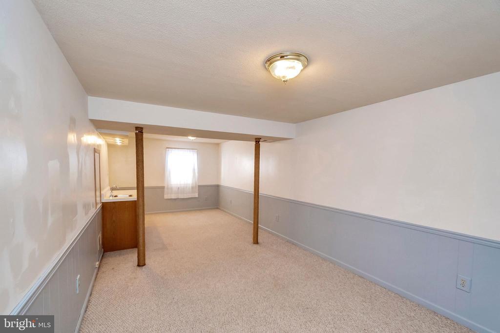 basement - 201 ESSEX ST, STAFFORD