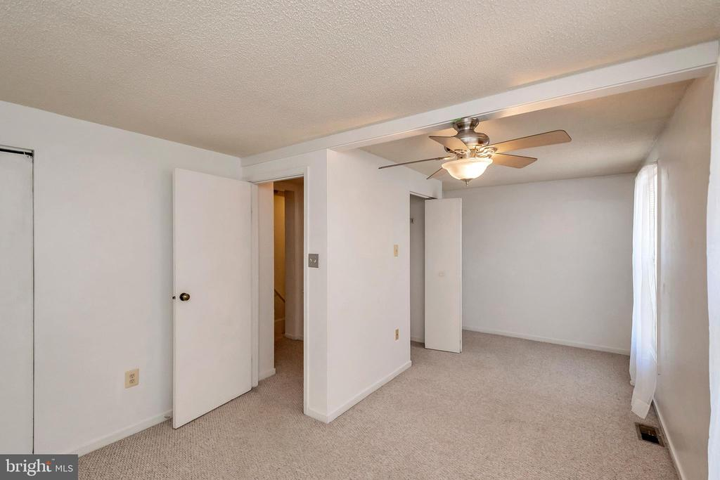 extra large second bedroom. - 201 ESSEX ST, STAFFORD