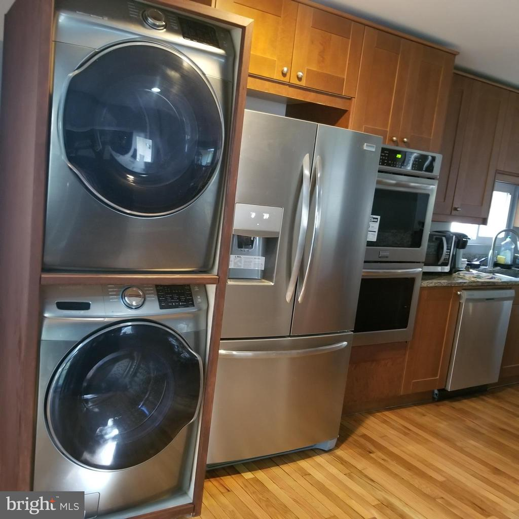 Dryer/Washer - 12519 PURCELL RD, MANASSAS