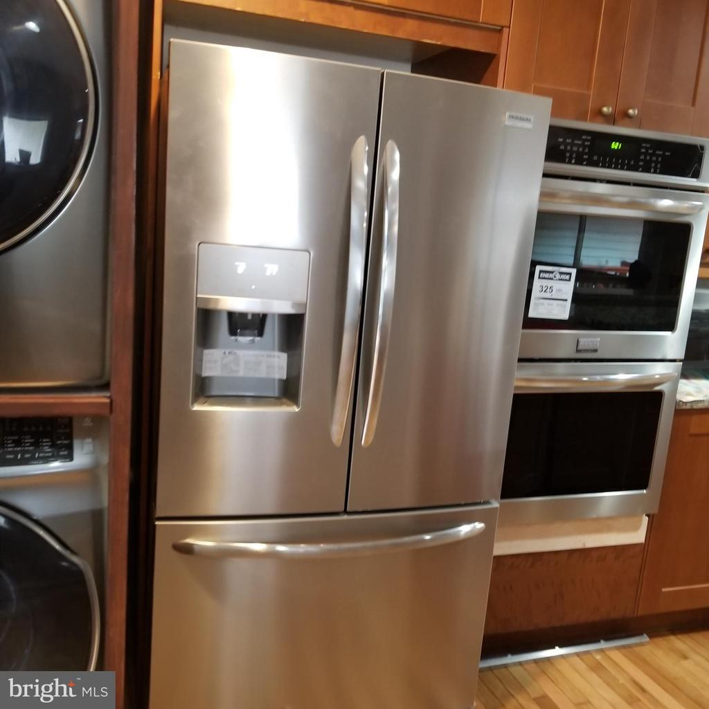 New Stainless Steel Double Door Fridge - 12519 PURCELL RD, MANASSAS