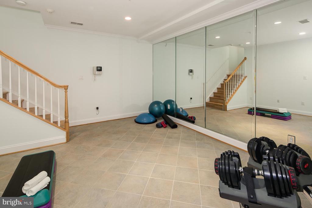 Space for Mini Gym - 1335 14TH ST N, ARLINGTON