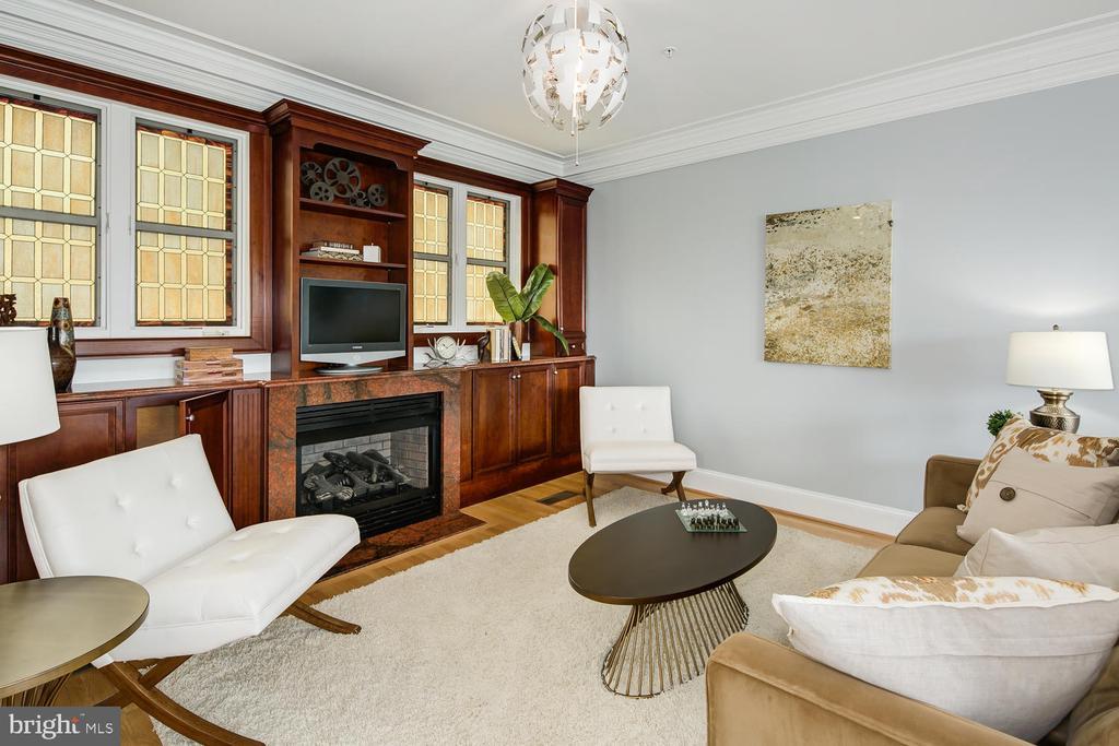GREAT ROOM  SITTING AREA - 1335 14TH ST N, ARLINGTON