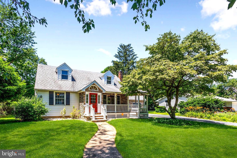 Single Family Homes pour l Vente à Merchantville, New Jersey 08109 États-Unis