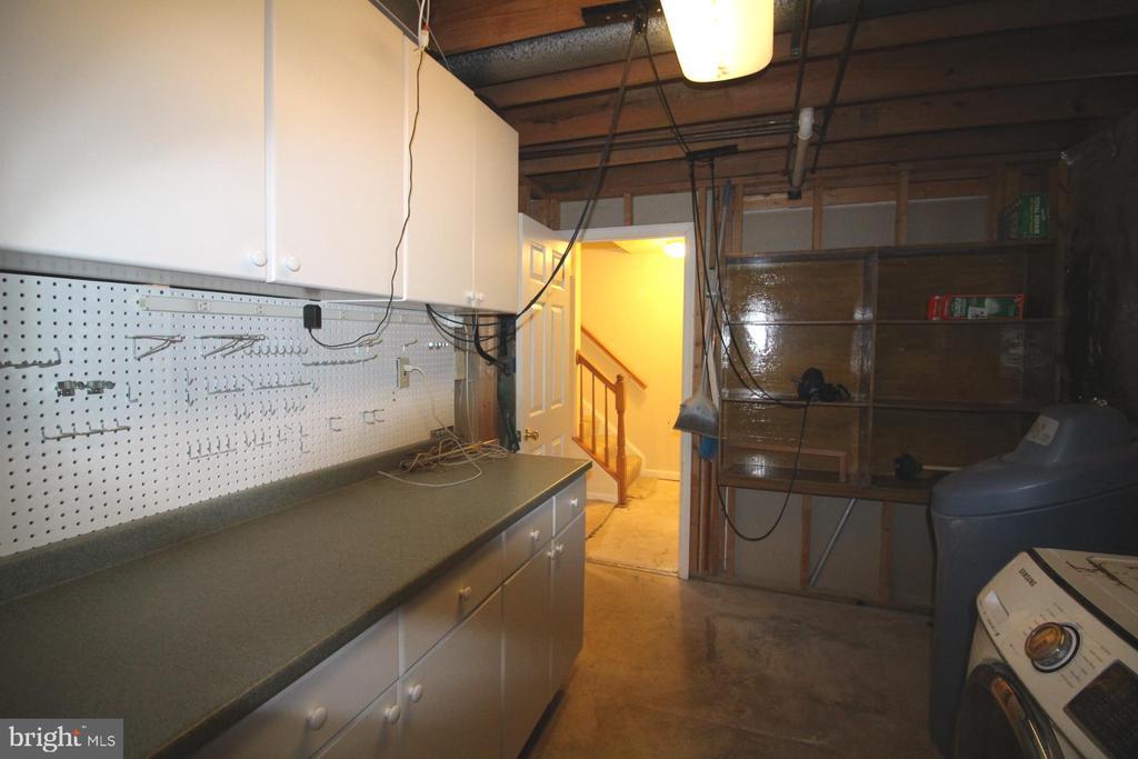 Lower Level - Work Station & Laundry room - 9226 KRISTY DR, MANASSAS PARK