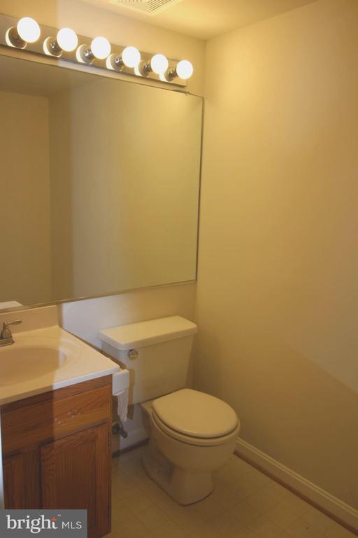 Lower level - Bathroom - 9226 KRISTY DR, MANASSAS PARK