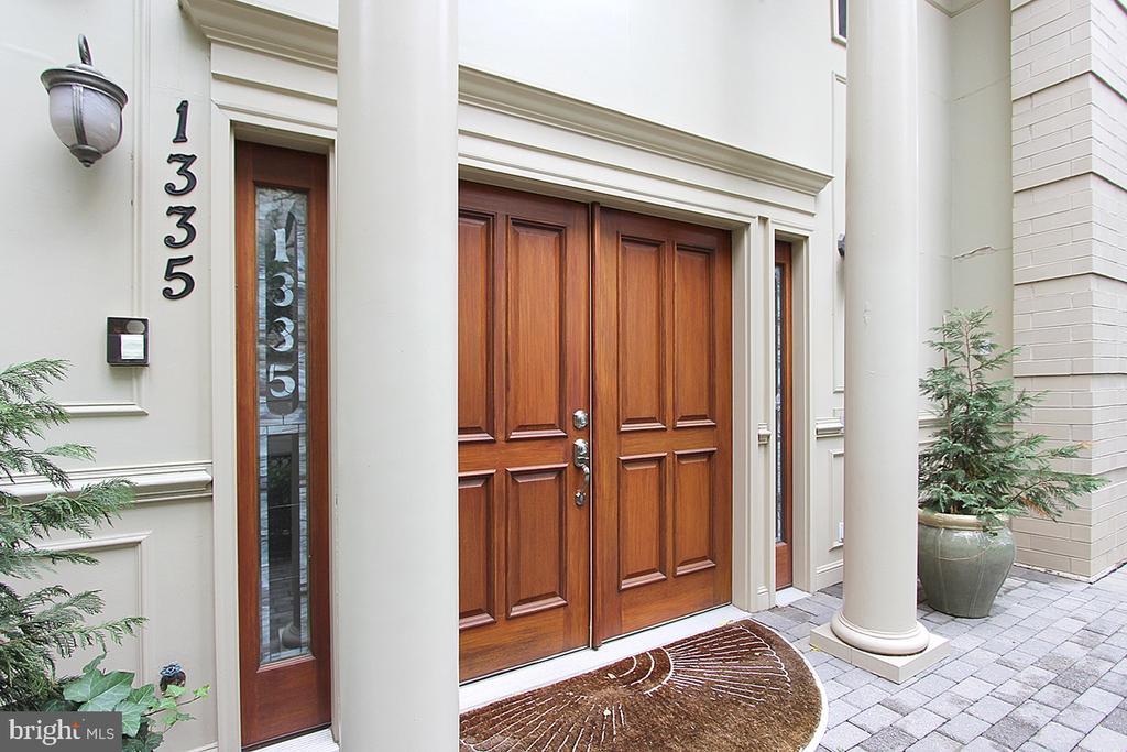 Exterior FRONT ENTRANCE - 1335 14TH ST N, ARLINGTON
