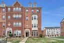 2 level brick front end unit - 21618 ROMANS DR, ASHBURN
