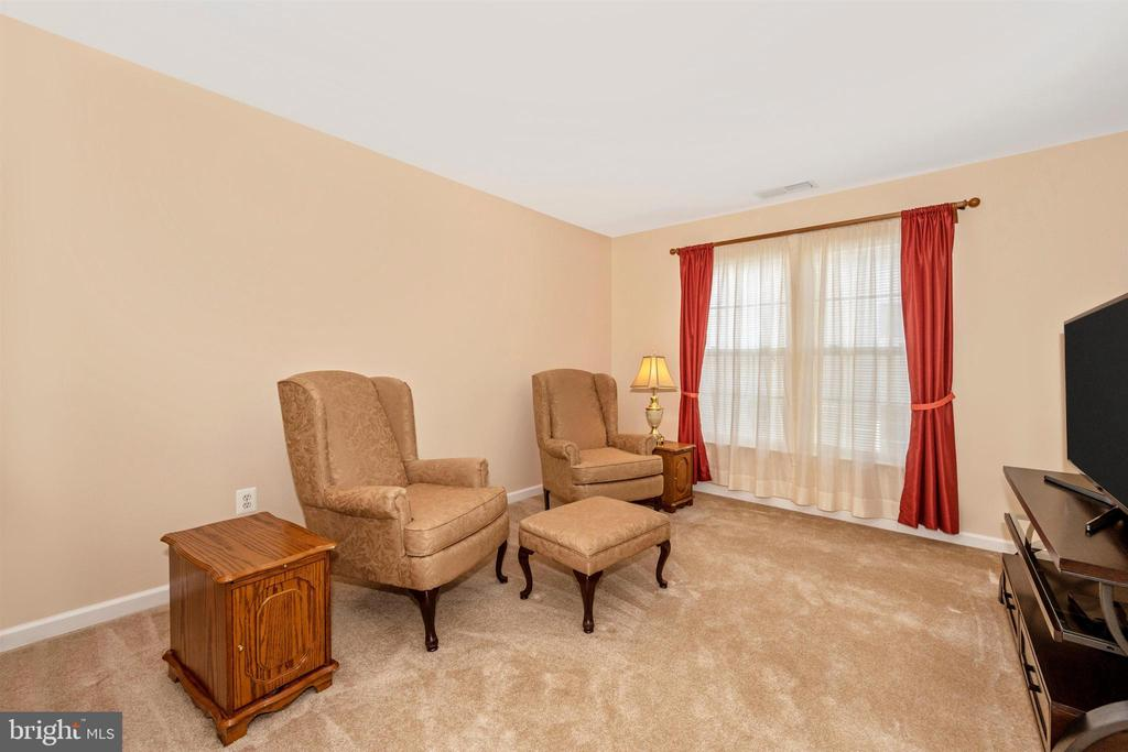 Master Suite Sitting Area - 5730 MEYER AVE, NEW MARKET
