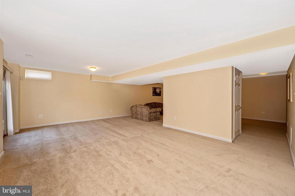 Huge Finished Rec Room - 5730 MEYER AVE, NEW MARKET