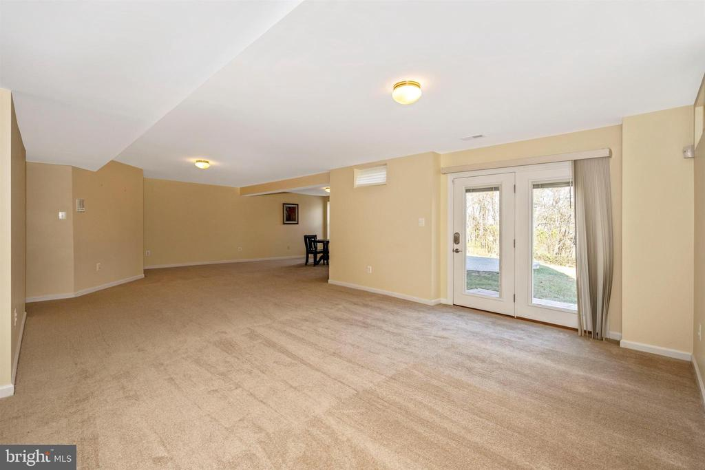 Walk Out Lower Level - 5730 MEYER AVE, NEW MARKET