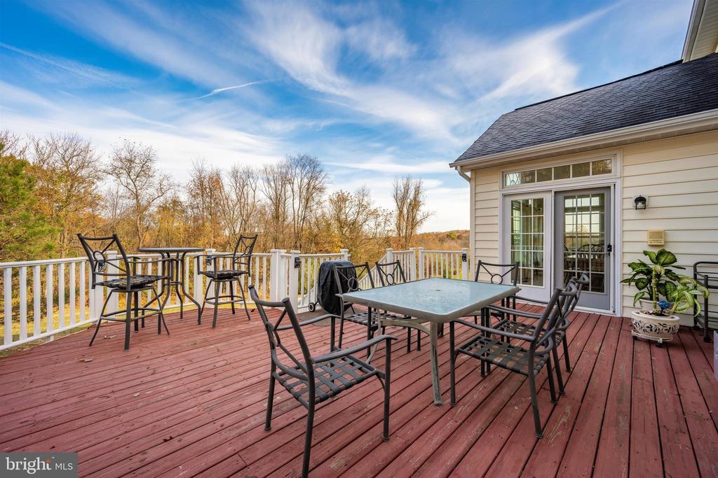 Deck overlooks amazing yard - 5730 MEYER AVE, NEW MARKET