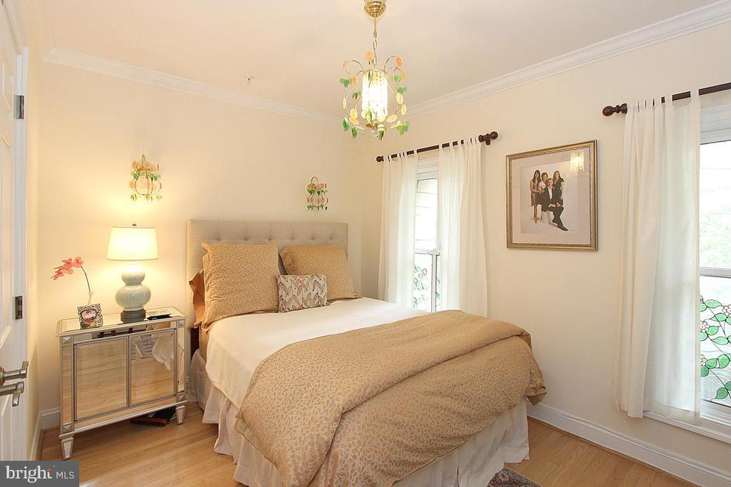 3RD BEDROOM - 1335 14TH ST N, ARLINGTON
