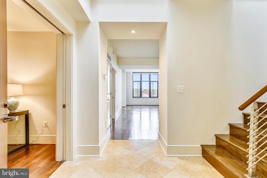 Grand Two-Story Entrance with Skylight - 4301 MILITARY RD NW #PH5, WASHINGTON