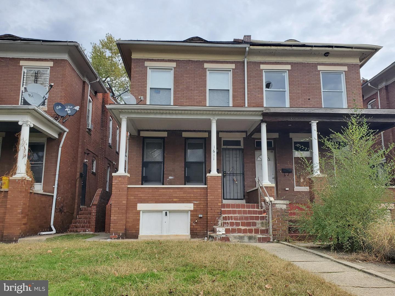 Duplex Homes für Verkauf beim Baltimore, Maryland 21216 Vereinigte Staaten
