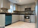 kitchen - 323 WOLFE ST, FREDERICKSBURG